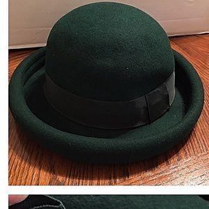 Sake Fifth Ave Bowler Derby Hat in Dark Green